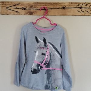 Girls horse shirt 🐎💕 maybe worn twice